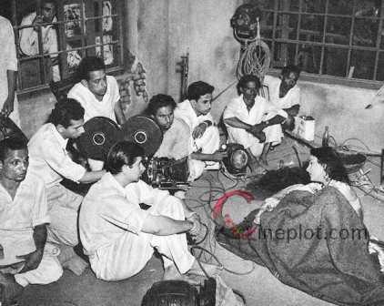 aah-sets-April 1953